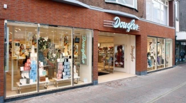 Parfumerie Douglas opent schoonheidssalon